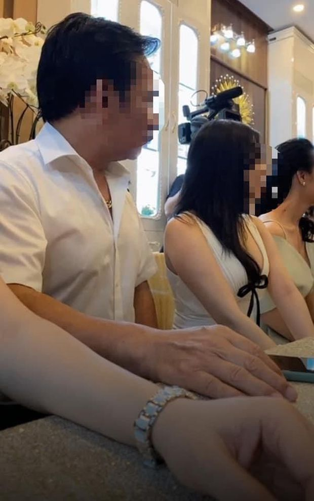2 nghệ sĩ bị nghi xuất hiện trong vụ 31 người tụ tập tại thẩm mỹ viện ở Lâm Đồng bất chấp lệnh cấm tập trung - Ảnh 3.
