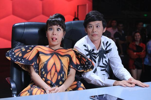 Vì sao Hoài Linh - Việt Hương phải hạn chế đồng hành với nhau trong các gameshow? - Ảnh 2.
