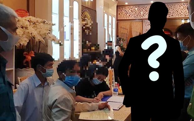 2 nghệ sĩ bị nghi xuất hiện trong vụ 31 người tụ tập tại thẩm mỹ viện ở Lâm Đồng bất chấp lệnh cấm tập trung - Ảnh 4.