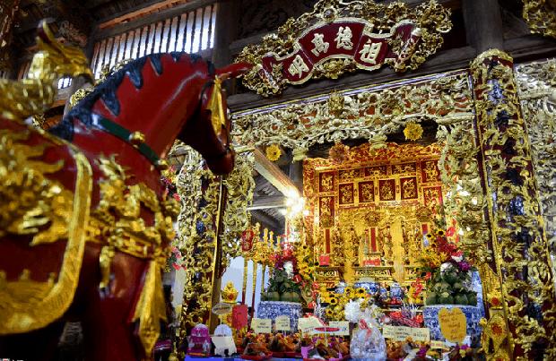 Nhà thờ hơn 100 tỷ của Hoài Linh hàng năm tổ chức lễ Giỗ Tổ sân khấu quy tụ hàng trăm nghệ sĩ, còn nuôi động thực vật quý hiếm với giá trị khủng - Ảnh 3.