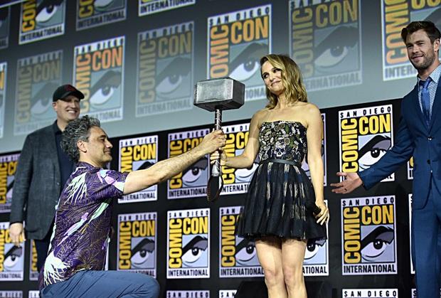 Nam thần Chris Hemsworth ở hậu trường Thor 4 đẹp muốn ngã khuỵu, nhưng cái bụng mới thu hút sự chú ý! - Ảnh 3.