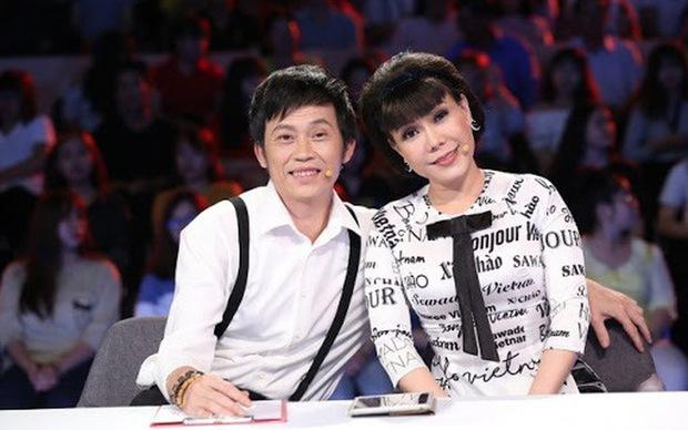 Vì sao Hoài Linh - Việt Hương phải hạn chế đồng hành với nhau trong các gameshow? - Ảnh 1.