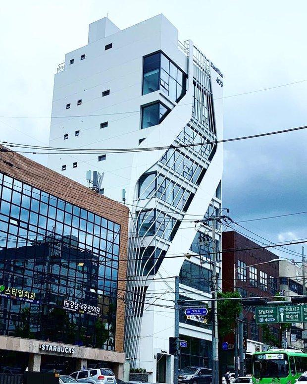 Công ty mới của Hanbin: Sở hữu Vương Nhất Bác, Phạm Thừa Thừa và idol Kpop nổi bật nhưng vì sao fan lại không hài lòng? - Ảnh 5.