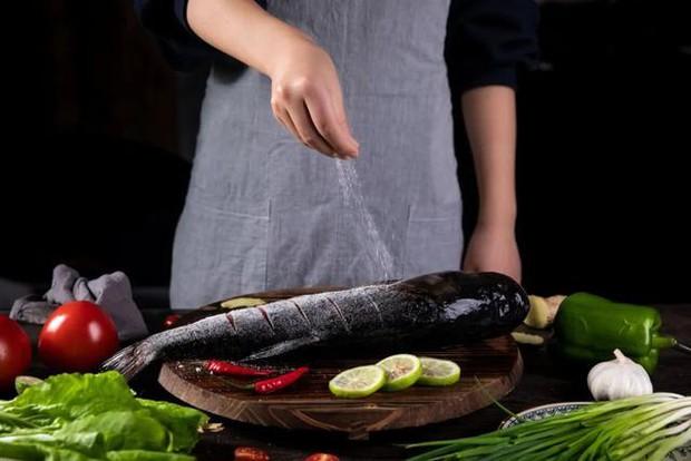 3 loại gia vị trong nhà bếp dùng càng lâu hết thì càng tốt cho sức khỏe, đặc biệt là mạch máu sẽ cảm ơn bạn - Ảnh 2.