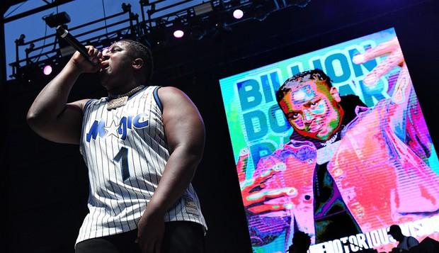 Sốc: Nam rapper vừa bị bắt vì vụ xả súng kinh hoàng tại Mỹ từng 6 lần được đề cử Grammy, còn hợp tác với Dua Lipa trong hit toàn cầu - Ảnh 6.