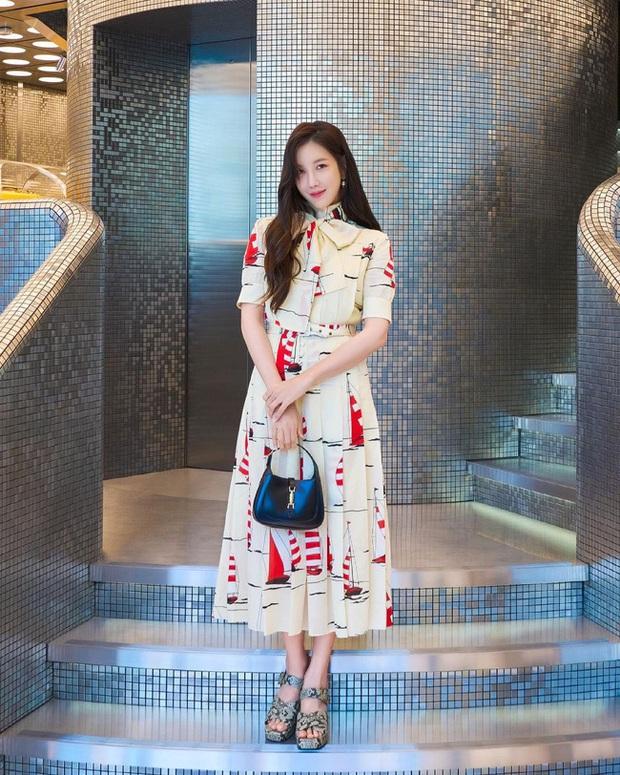 Cùng diện váy gần 100 triệu nhưng trưởng nhóm TWICE lép vế hẳn so với Lee Ji Ah và IU - Ảnh 7.
