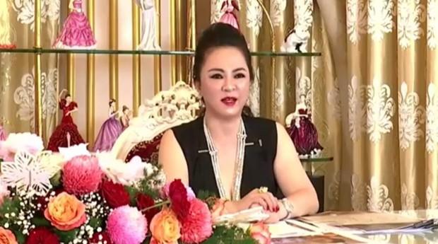 Bà Phương Hằng tuyên bố kiện ngược lại bà Lê Thị Giàu: Tôi từng bị giang hồ do bà Giàu thuê bao vây, phải gọi công an đến giải cứu - Ảnh 1.