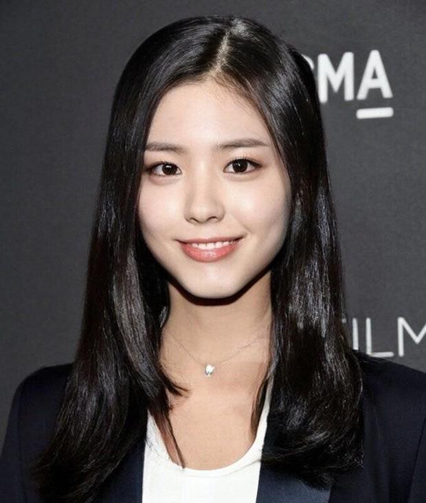 Dàn nam thần Hàn biến hình thành nữ: Song Joong Ki - V (BTS) như búp bê, Lee Dong Wook và 1 nam idol tranh nhau ngôi nữ thần - Ảnh 13.