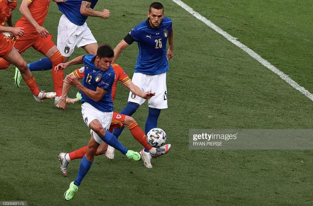 Italy 1-0 Xứ Wales: Dàn trai đẹp nước Ý toàn thắng tại vòng bảng Euro 2020 - Ảnh 17.