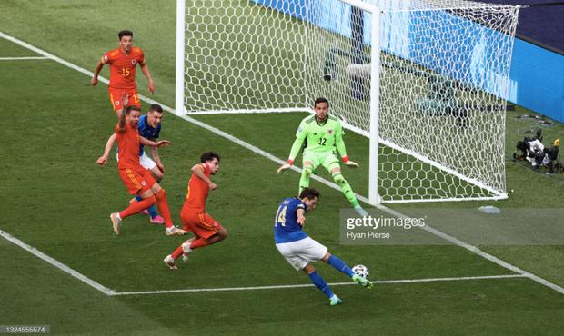 Italy 1-0 Xứ Wales: Dàn trai đẹp nước Ý toàn thắng tại vòng bảng Euro 2020 - Ảnh 21.