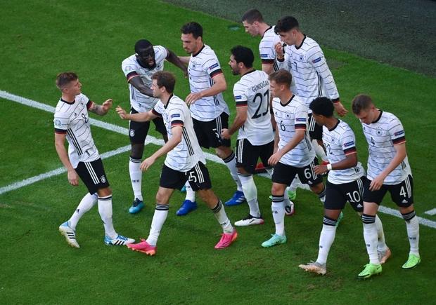 Ronaldo ghi bàn mang tính lịch sử, Bồ Đào Nha vẫn thua tan nát trước Đức - Ảnh 3.