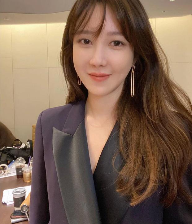 Bà cả Penthouse Lee Ji Ah đọ sắc bên rich kid Seok Kyung, nhìn nhan sắc này ai nghĩ đã U45 và đáng tuổi mẹ của bạn diễn? - Ảnh 3.