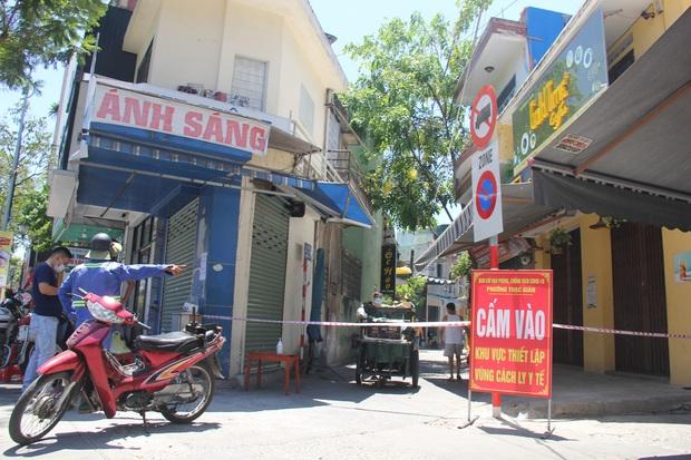 Thêm 9 ca nhiễm SARS-CoV-2, Đà Nẵng khẩn trương khoanh vùng khu vực có nguy cơ cao - Ảnh 1.