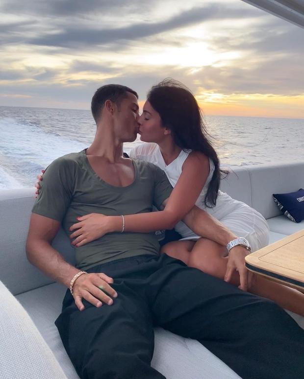 Chuyện cổ tích của Georgina Rodriguez: Cô nhân viên quèn tại Gucci trở thành bạn gái của Cristiano Ronaldo - Ảnh 4.