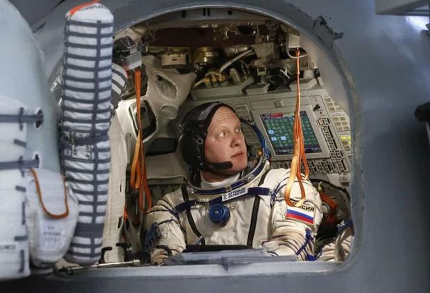 Khoảnh khắc hiếm hoi về cuộc sống của các phi hành gia trên Trạm Vũ trụ Quốc tế (ISS) - Ảnh 1.