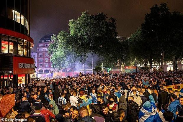 EURO 2020: Người Scotland lo ngại fan bóng đá mang biến chủng Delta về từ Anh - Ảnh 5.