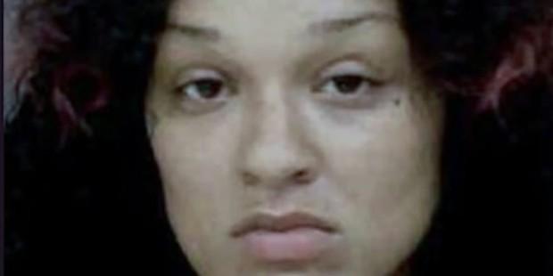 Bé gái 4 tuổi chết thảm vì hình phạt tàn ác, người mẹ nhẫn tâm để con gái lớn trở thành tòng phạm - Ảnh 1.