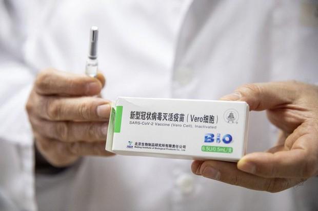 Tiêm vaccine thần tốc, hơn 1,4 tỷ dân Trung Quốc sống chung an toàn với COVID-19 - Ảnh 2.