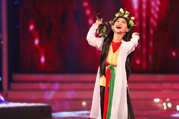 Quán quân Got Talent từng giả gái khiến Hoài Linh phải cúi đầu: Chuẩn bị lên cấp 3, học hành đỉnh và cuộc sống có gì mới? - Ảnh 2.