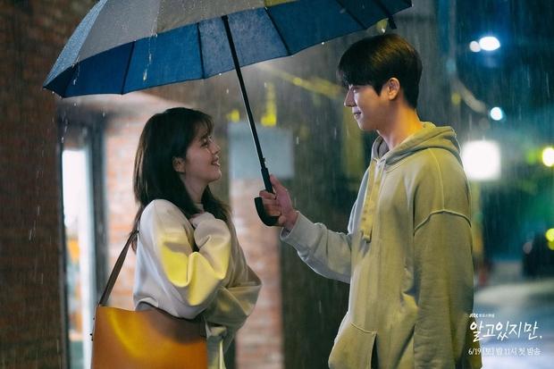 Phim 19+ vừa lên sóng, Song Kang đã bị đồn mất Han So Hee vào tay kép phụ, Love Alarm lặp lại đấy à? - Ảnh 4.