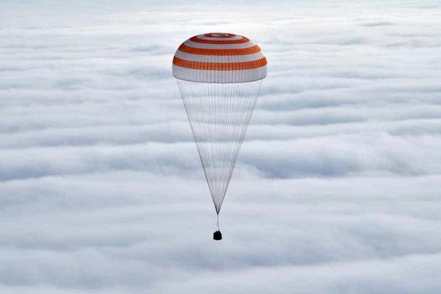 Khoảnh khắc hiếm hoi về cuộc sống của các phi hành gia trên Trạm Vũ trụ Quốc tế (ISS) - Ảnh 13.