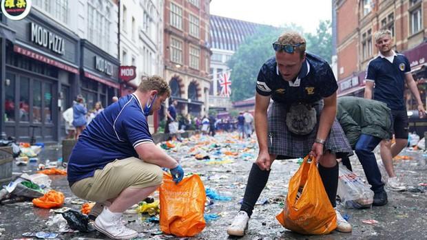 EURO 2020: Người Scotland lo ngại fan bóng đá mang biến chủng Delta về từ Anh - Ảnh 3.