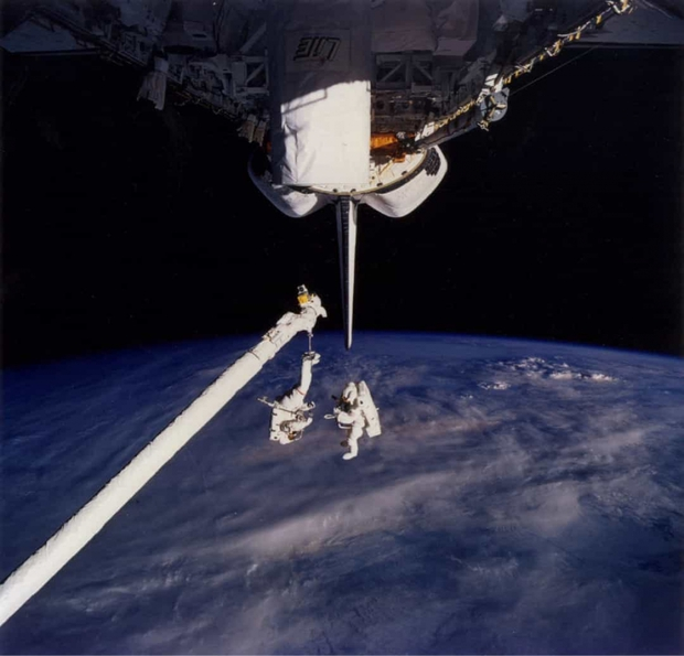 Khoảnh khắc hiếm hoi về cuộc sống của các phi hành gia trên Trạm Vũ trụ Quốc tế (ISS) - Ảnh 5.