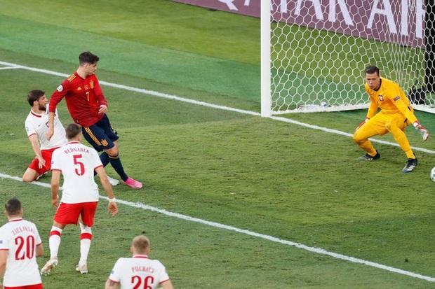 Phung phí hàng tá cơ hội, tuyển Tây Ban Nha bị Ba Lan cầm hoà, rơi vào thế sinh tử tại bảng E - Ảnh 5.