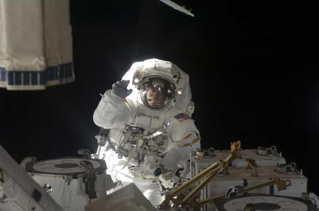 Khoảnh khắc hiếm hoi về cuộc sống của các phi hành gia trên Trạm Vũ trụ Quốc tế (ISS) - Ảnh 6.