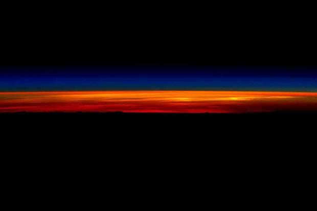 Khoảnh khắc hiếm hoi về cuộc sống của các phi hành gia trên Trạm Vũ trụ Quốc tế (ISS) - Ảnh 8.