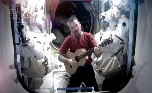 Khoảnh khắc hiếm hoi về cuộc sống của các phi hành gia trên Trạm Vũ trụ Quốc tế (ISS) - Ảnh 9.