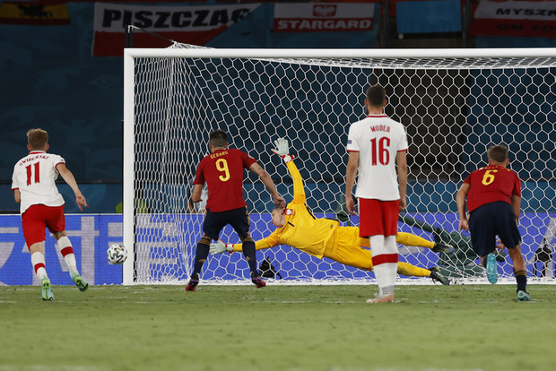 Phung phí hàng tá cơ hội, tuyển Tây Ban Nha bị Ba Lan cầm hoà, rơi vào thế sinh tử tại bảng E - Ảnh 9.
