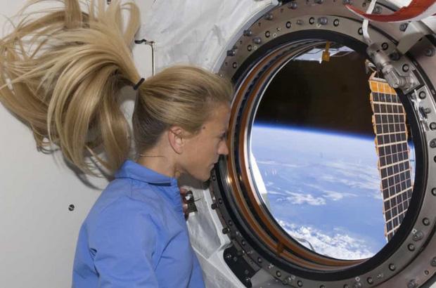 Khoảnh khắc hiếm hoi về cuộc sống của các phi hành gia trên Trạm Vũ trụ Quốc tế (ISS) - Ảnh 10.