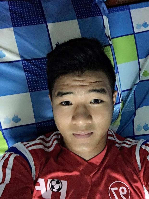 Loạt ảnh bị đào lại của các tuyển thủ Việt Nam khiến fan phì cười: Ai cũng có một thời trẻ trâu - Ảnh 7.