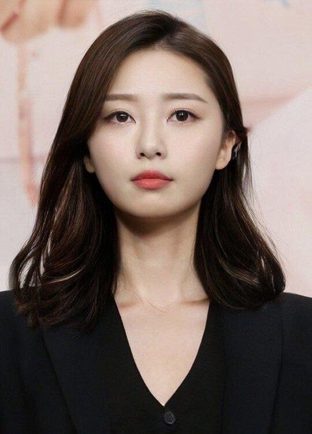 Dàn nam thần Hàn biến hình thành nữ: Song Joong Ki - V (BTS) như búp bê, Lee Dong Wook và 1 nam idol tranh nhau ngôi nữ thần - Ảnh 7.