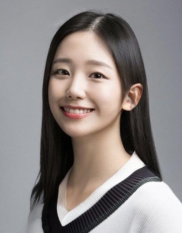 Dàn nam thần Hàn biến hình thành nữ: Song Joong Ki - V (BTS) như búp bê, Lee Dong Wook và 1 nam idol tranh nhau ngôi nữ thần - Ảnh 17.