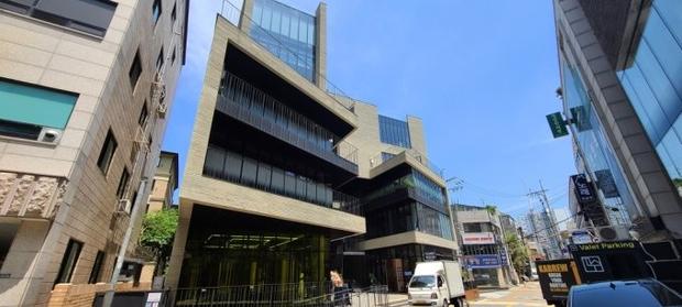 Ghen tị Kim Tae Hee cưới được đại gia bất động sản hiếm có, mua nhà bán đi lãi con số 600 tỷ chưa từng thấy trong Kbiz - Ảnh 4.