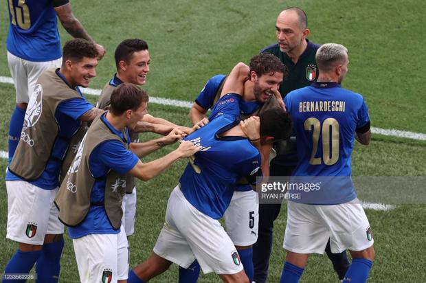 Italy 1-0 Xứ Wales: Dàn trai đẹp nước Ý toàn thắng tại vòng bảng Euro 2020 - Ảnh 20.