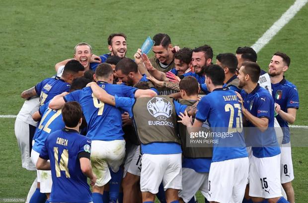 Italy 1-0 Xứ Wales: Dàn trai đẹp nước Ý toàn thắng tại vòng bảng Euro 2020 - Ảnh 6.