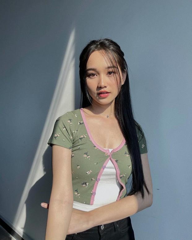 Instagram look sao Việt tuần qua: Hà Tăng ở nhà mà lên đồ sang hết nấc, vòng 1 xôi thịt của Minh Hằng chiếm sóng - Ảnh 7.