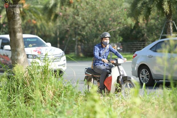 Ảnh: Thót tim cảnh xe máy quay đầu bỏ chạy trên cao tốc Đại lộ Thăng Long khi thấy CSGT - Ảnh 7.