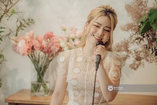 Dương Hoàng Yến một mình cân màn live ca khúc mới khi thiếu Đạt G, Phúc Du cực chill khi rap sản phẩm hay nhất Trạm Cảm Xúc - Ảnh 5.