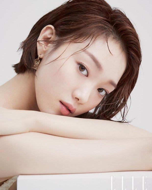 Tiên nữ cử tạ Lee Sung Kyung bất ngờ đổi gió xuống tóc ngắn chưa từng có, người đâu lột xác tomboy mà vẫn đẹp không chê nổi - Ảnh 3.