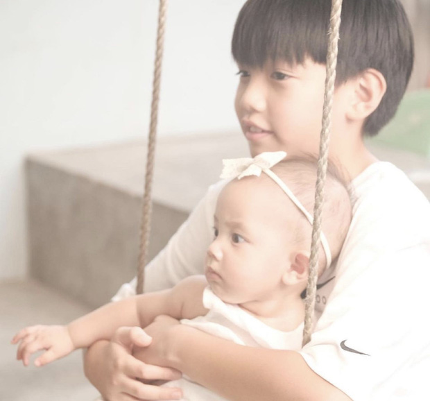 Subeo đón sinh nhật tại gia siêu sang xịn bên 2 em song sinh, cậu nhóc ngày nào nay thành anh cả lớn phổng phao rồi! - Ảnh 7.