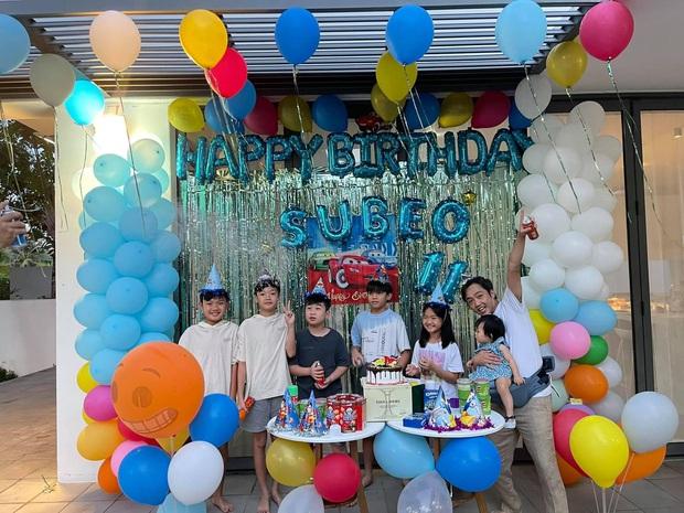Vợ chồng Cường Đô La tổ chức sinh nhật cho Subeo tại villa sang chảnh, nụ cười hạnh phúc của cả gia đình thấy mà ngưỡng mộ - Ảnh 7.