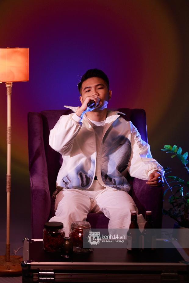Dương Hoàng Yến một mình cân màn live ca khúc mới khi thiếu Đạt G, Phúc Du cực chill khi rap sản phẩm hay nhất Trạm Cảm Xúc - Ảnh 8.