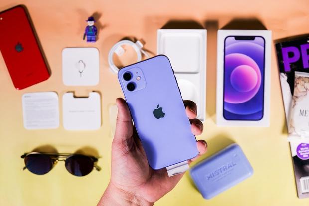 """Nhiều sản phẩm Apple vừa về Việt Nam đã giảm giá """"sấp mặt"""", đau lòng nhất là iPhone 12 tím mộng mơ - Ảnh 2."""
