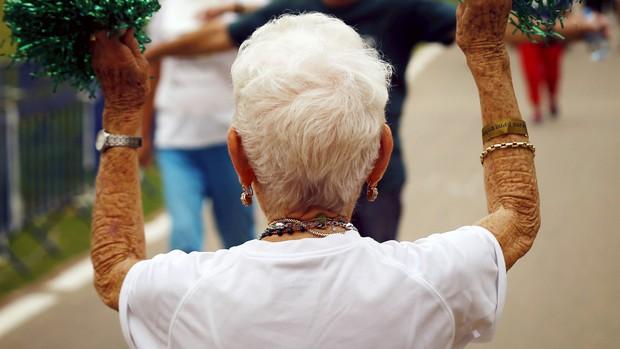 Chuyện kỳ lạ về người phụ nữ tóc bạc trắng chỉ sau một đêm, mở ra hiện tượng bí ẩn làm đau đầu giới khoa học suốt nhiều thế kỷ - Ảnh 2.