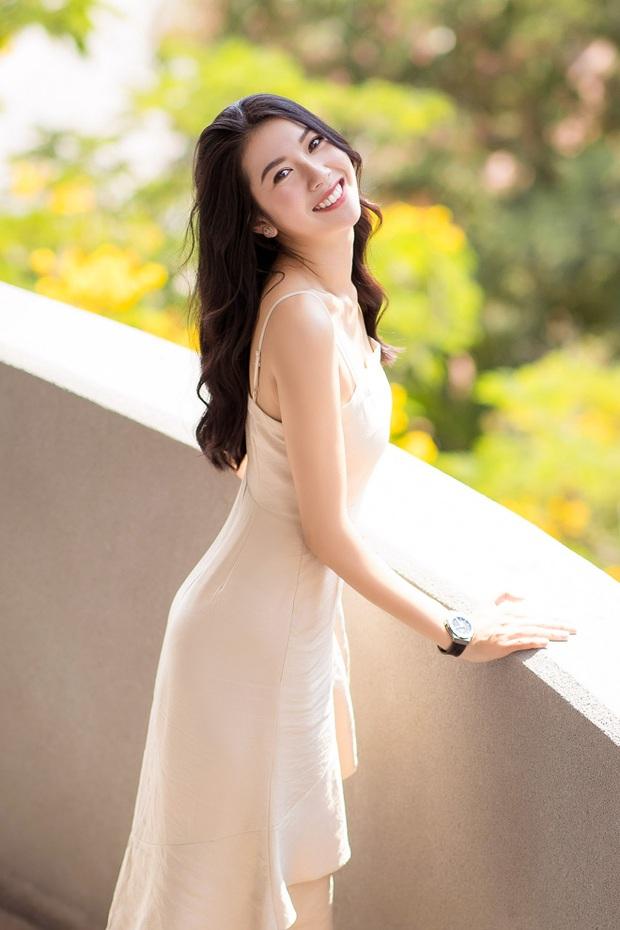 Á hậu Thuý Vân bắn tiếng Anh như nuốt mic, chia sẻ phương pháp học hiệu quả ngay trên livestream - Ảnh 2.