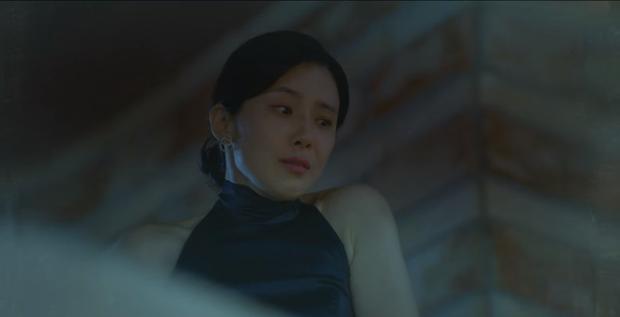 Loạt kẻ tình nghi ở án mạng Han Ji Yong (Mine): Mợ út (Lee Bo Young) giết chồng hay người chết lật kèo sốc óc? - Ảnh 2.